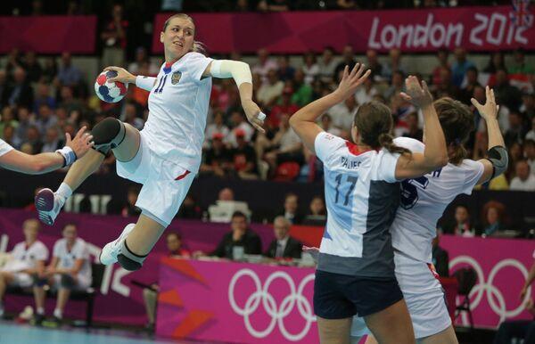 Игровой момент матча Великобритания - Россия