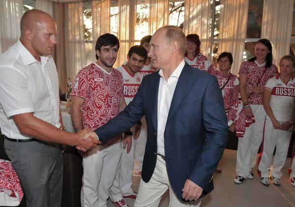 Владимир Путин (на первом плане)