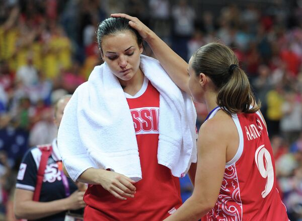 Наталья Жедик и Бекки Хэммон (слева направо)