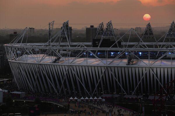 Вид на Олимпийский стадион, в котором состоится церемония закрытия Паралимпийских игр-2012