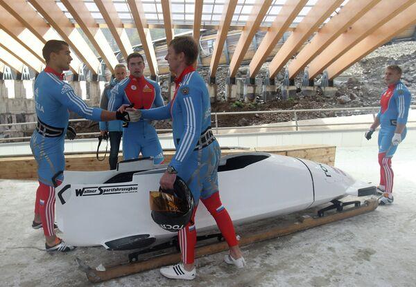 Экипаж в составе Александра Зубкова, Дмитрия Труненкова, Алексея Негодайло, Максима Мокроусова