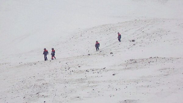 Последствия схода снежной лавины. Архивное фото