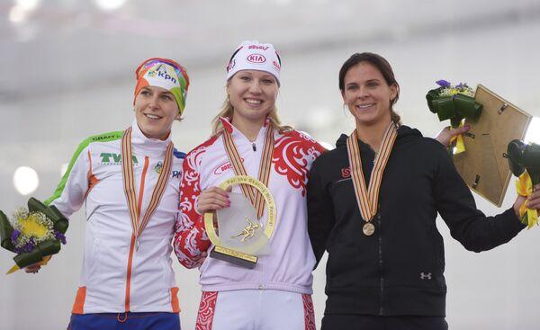 Призеры соревнований в беге на 1000 м: Ирэн Вюст, Ольга Фаткулина, Бриттани Бов
