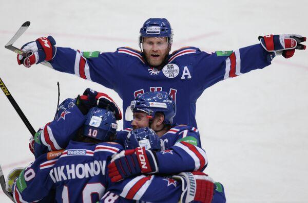 Радость игроков ХК СКА в матче с ХК Динамо