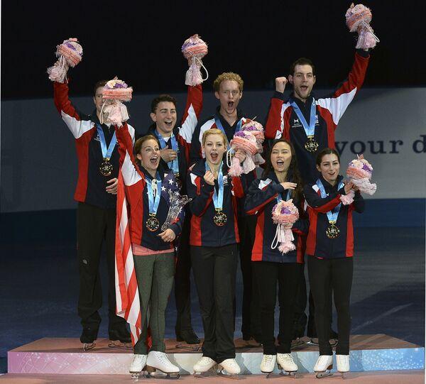 Сборная США по фигурному катанию на церемонии награждения