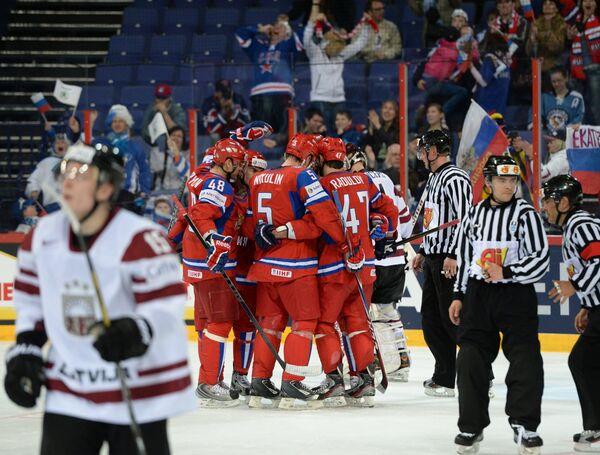 Игровой момент матча Россия - Латвия