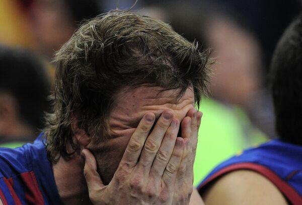 Атакующий защитник Барселоны Джо Инглс в полуфинале Финала четырех