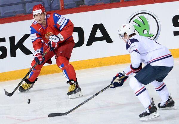 Игровой момент матча Россия - США