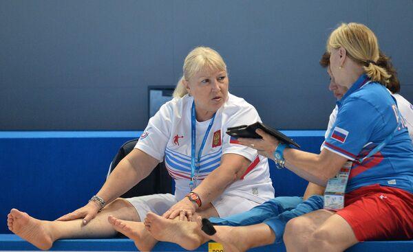 Татьяна Покровская (слева)