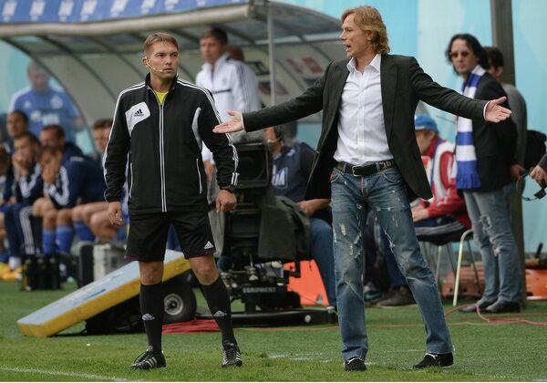 Главный тренер Спартака Валерий Карпин (справа)