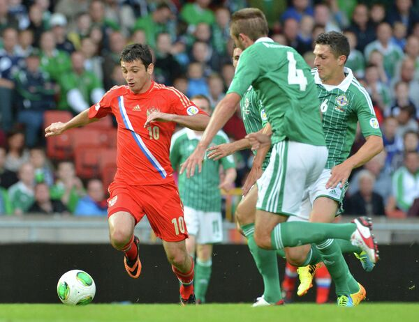 Игровой момент матча Северная Ирландия - Россия