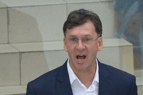 Главный тренер хоккейного клуба Атлант Сергей Светлов