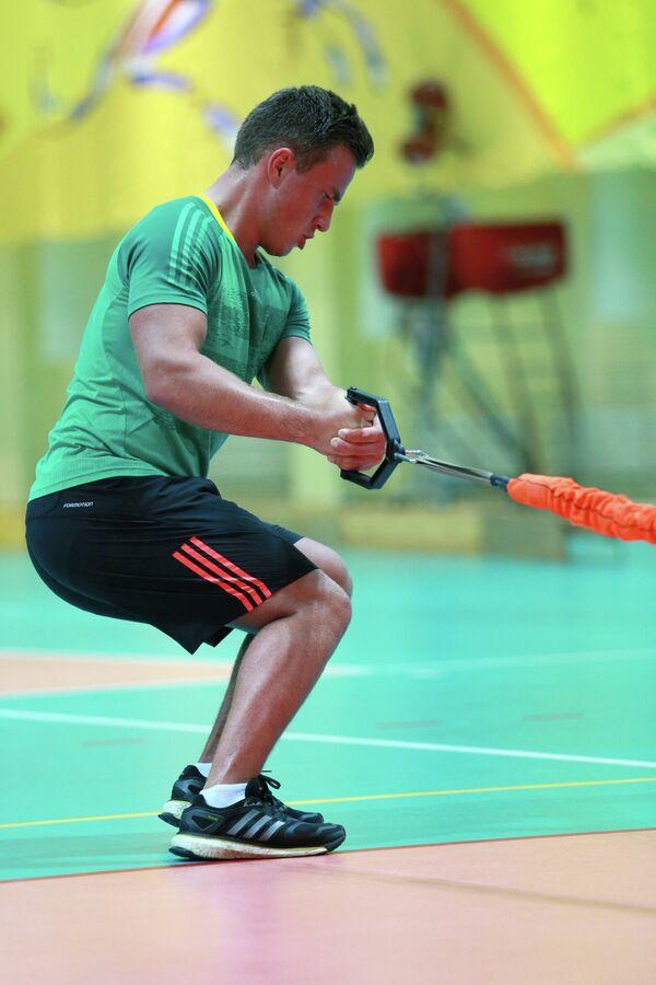Владислав Новиков на тренировке