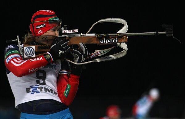 Ольга Подчуфарова на биатлонном стрельбище
