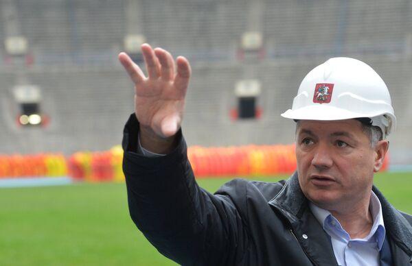 Заместитель мэра Москвы по вопросам градостроительной политики и строительства Марат Хуснуллин на стадионе Лужники