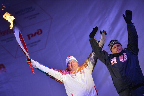 Владимир Барнашов и Виктор Назаров (справа)