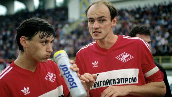 Виктор Онопко и Илья Цымбаларь (слева)
