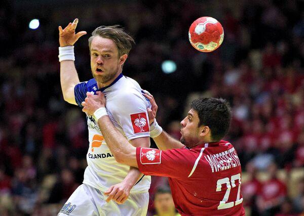 Игровой момент матча Исландия - Австрия