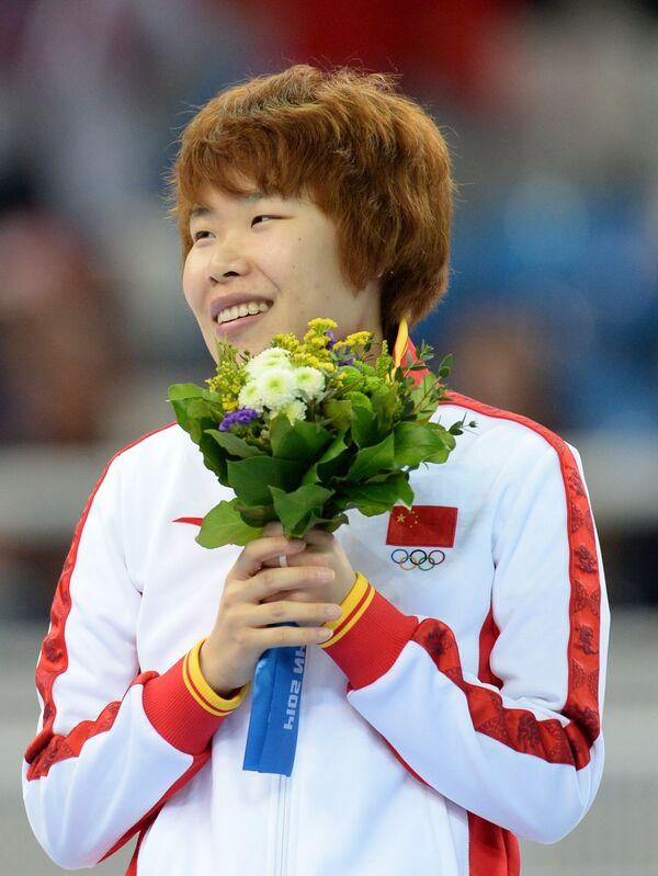 Ян Чжоу (Китай), завоевавшая золотую медаль в забеге на 1500 метров