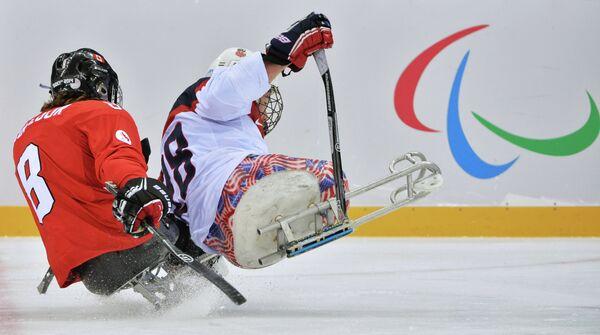 Игровой момент матча Канада - США