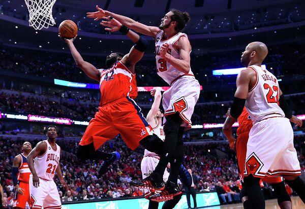 Игровой момент матча Чикаго - Вашингтон