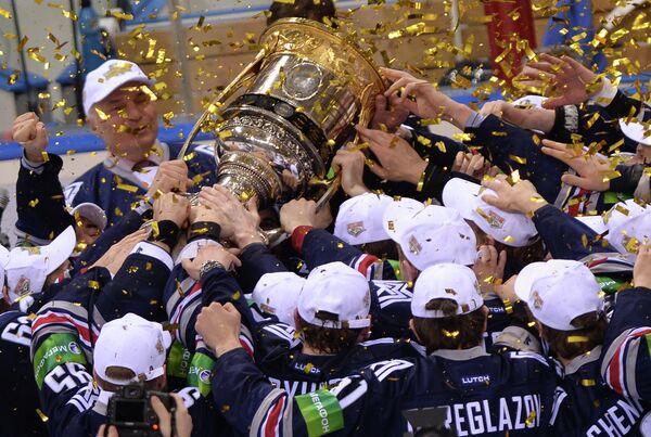 Игроки ХК Металлург, ставшие обладателями Кубка Гагарина
