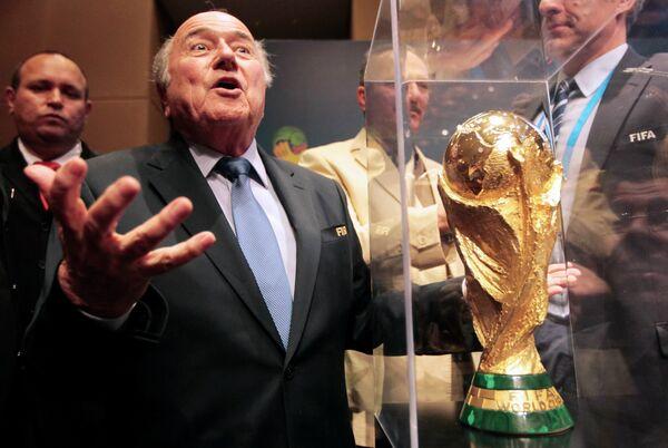 Йозеф Блаттер на пресс-конференции в преддверии старта ЧМ по футболу в Бразилии