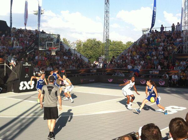 Баскетболистки сборной России в матче за золото чемпионата мира по баскетболу 3х3  против сборной США