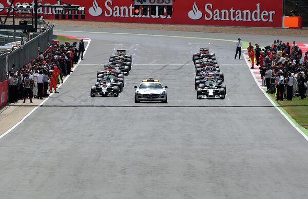 Пилоты Формулы-1 на стартовой решетке