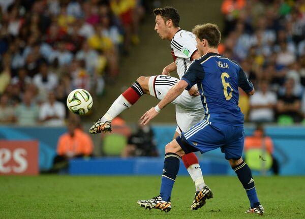 Игровой момент матча Германия - Аргентина