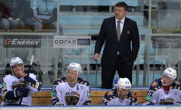 Главный тренер ХК Сочи Вячеслав Буцаев