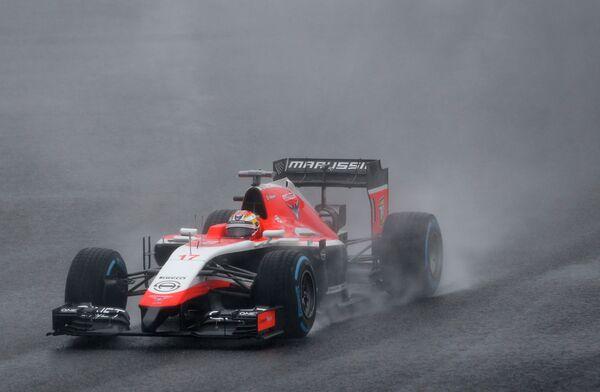 Пилот Маруси Жюль Бьянки на дистанции Гран-при Японии