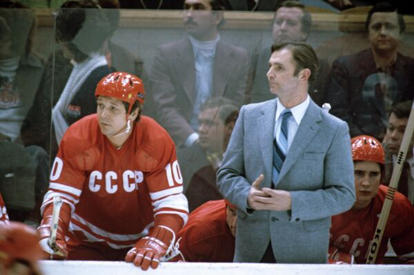 Виктор Тихонов и Александр Мальцев  (справа налево)