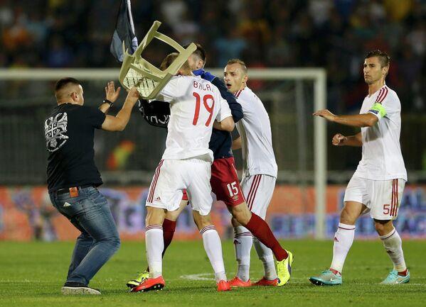 Потасовка в матче Сербия - Албания