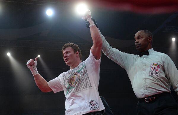 Слева: Александр Поветкин