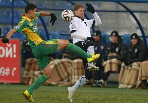 Игровой момент матча Торпедо - Кубань