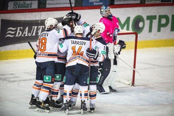 Хоккеисты хабаровского Амура