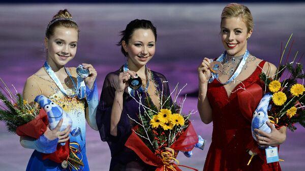 Эшли Вагнер, Елизавета Туктамышева и Елена Радионова (справа налево)