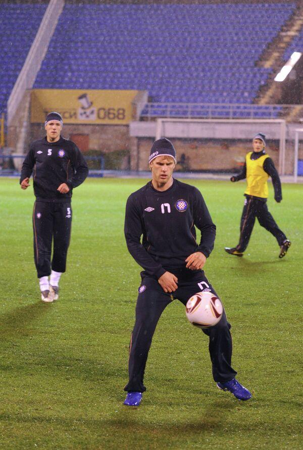 Иван Стринич (в центре)
