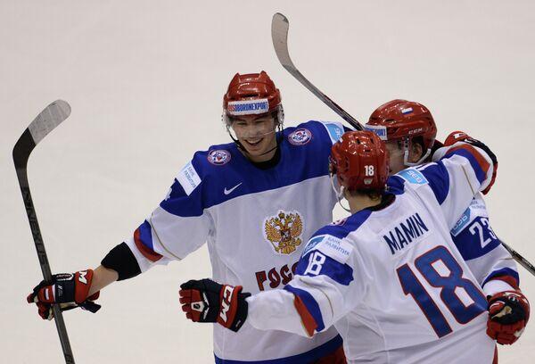 Зият Пайгин (слева), Максим Мамин и Александр Шаров