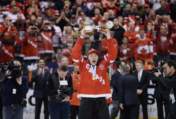 Форвард молодежной сборной Канады Кертис Лазар
