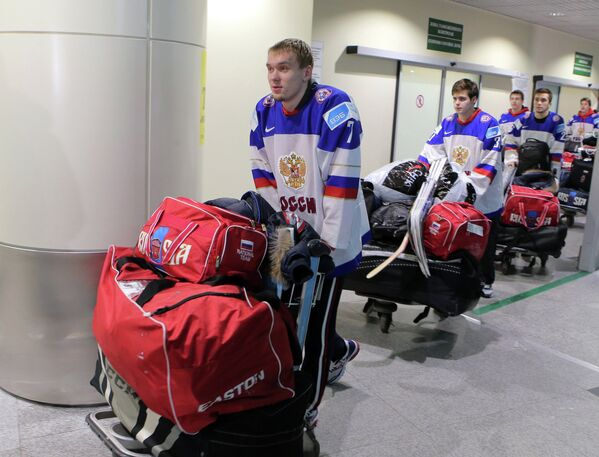 Рушан Рафиков, Игорь Шестеркин и Владимир Брюквин (слева направо на первом плане)