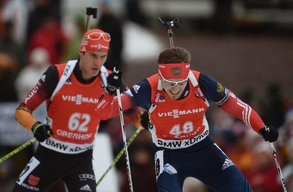 Справа: Тимофей Лапшин