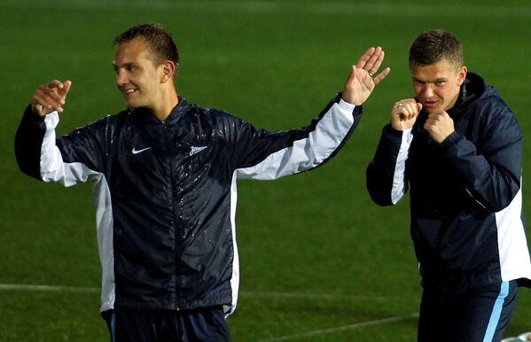 Футболисты Зенита Доменико Кришито (слева) и Олег Шатов