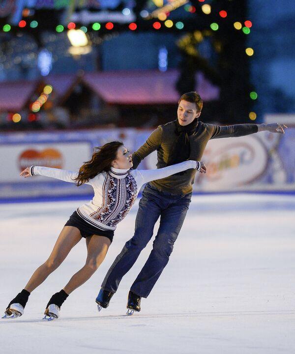 Олимпийские чемпионы Сочи Екатерина Боброва и Дмитрий Соловьев