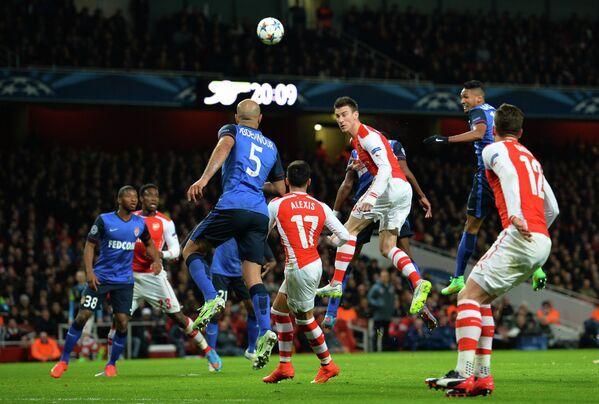 Игровой момент матча Арсенал - Монако