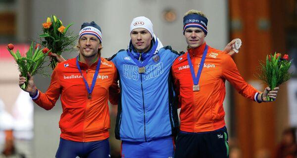 Россиянин Павел Кулижников (в центре)