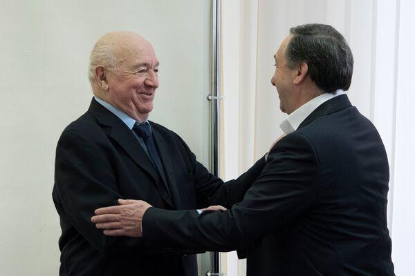 Вице-президент РФС Никита Симонян (слева) и президент ЦСКА Евгений Гинер