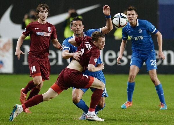 Игровой момент матча Динамо - Мордовия