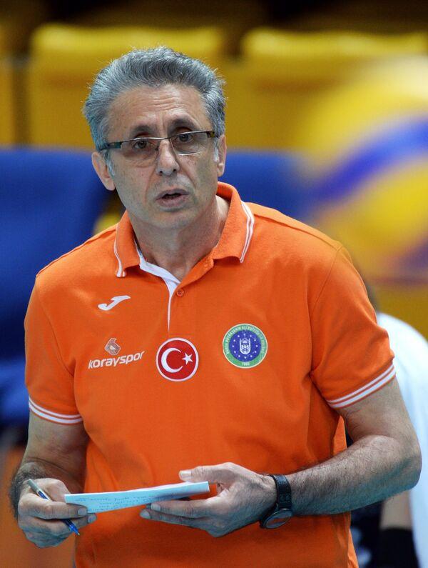 Главный тренер ВК Бурса Эмин Имен